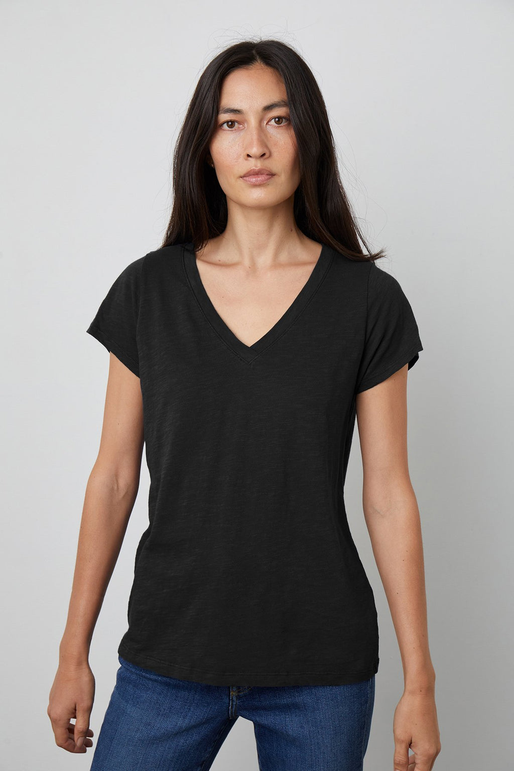 Jilian V-Neck Tee | Black