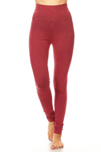 Mineral Wash Foldover Legging in Raspberry