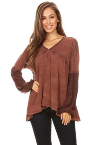 V-neck Contrast Block Raglan Top