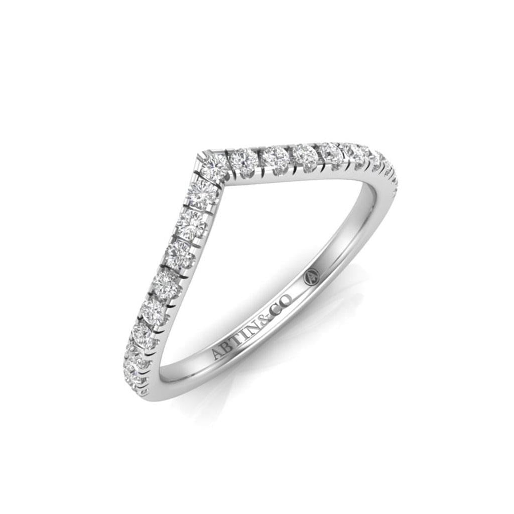 V diamond contour band ring