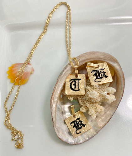 ☀️NEW ITEM!☀️10mm Gold Filled INITAL PENDANT (1) Hawaiian Font (1 letter)