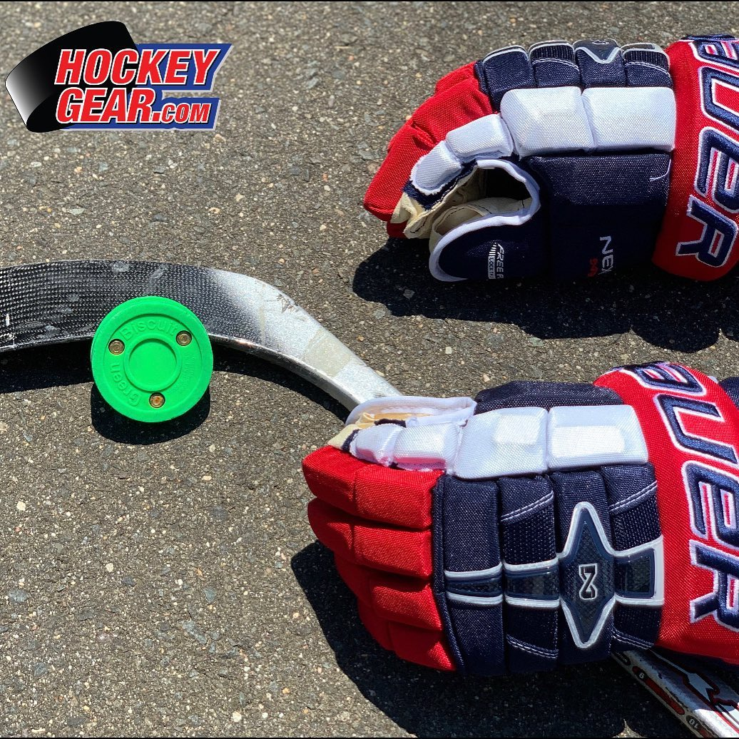 Street Hockey Pucks and Balls