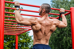 how to build a v shape with pull ups