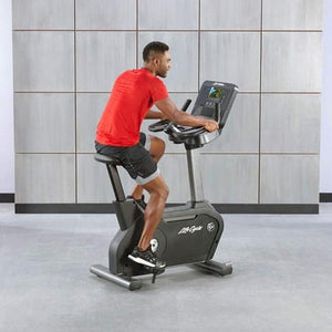 Life Fitness Club Series+ Upright Lifecycle
