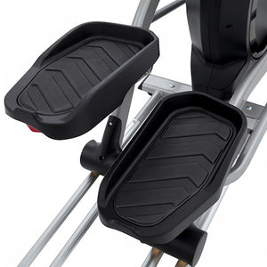Spirit XE295 Elliptical pedals close up