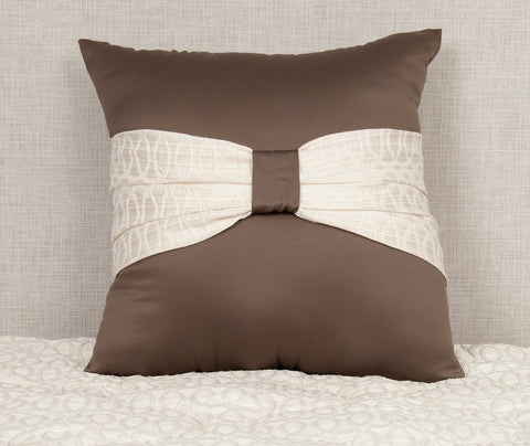 24 x 24 Tinsley Cream/Beleya Chocolate Pillow