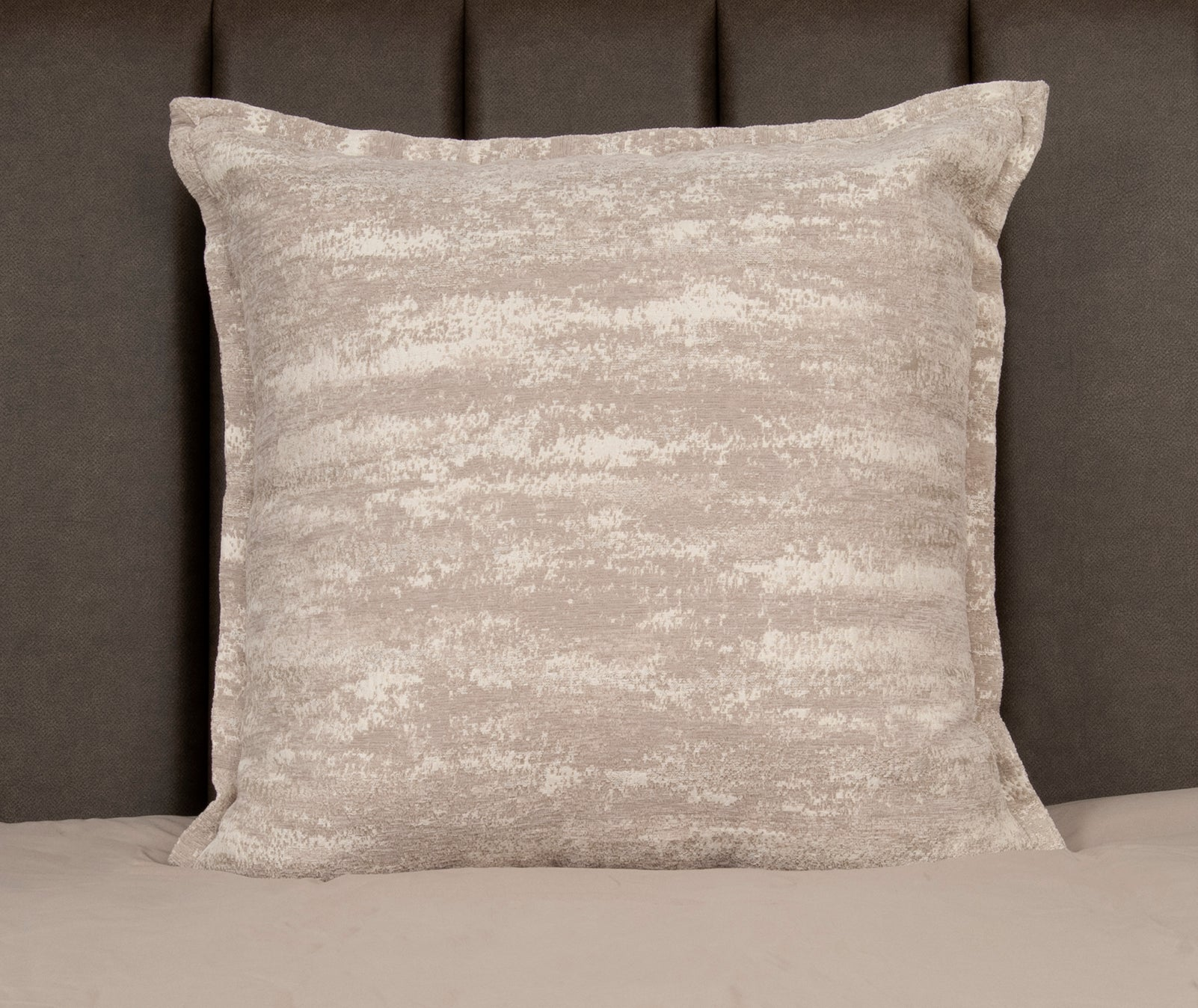 26 x 26 Bronsa Opal Pillow