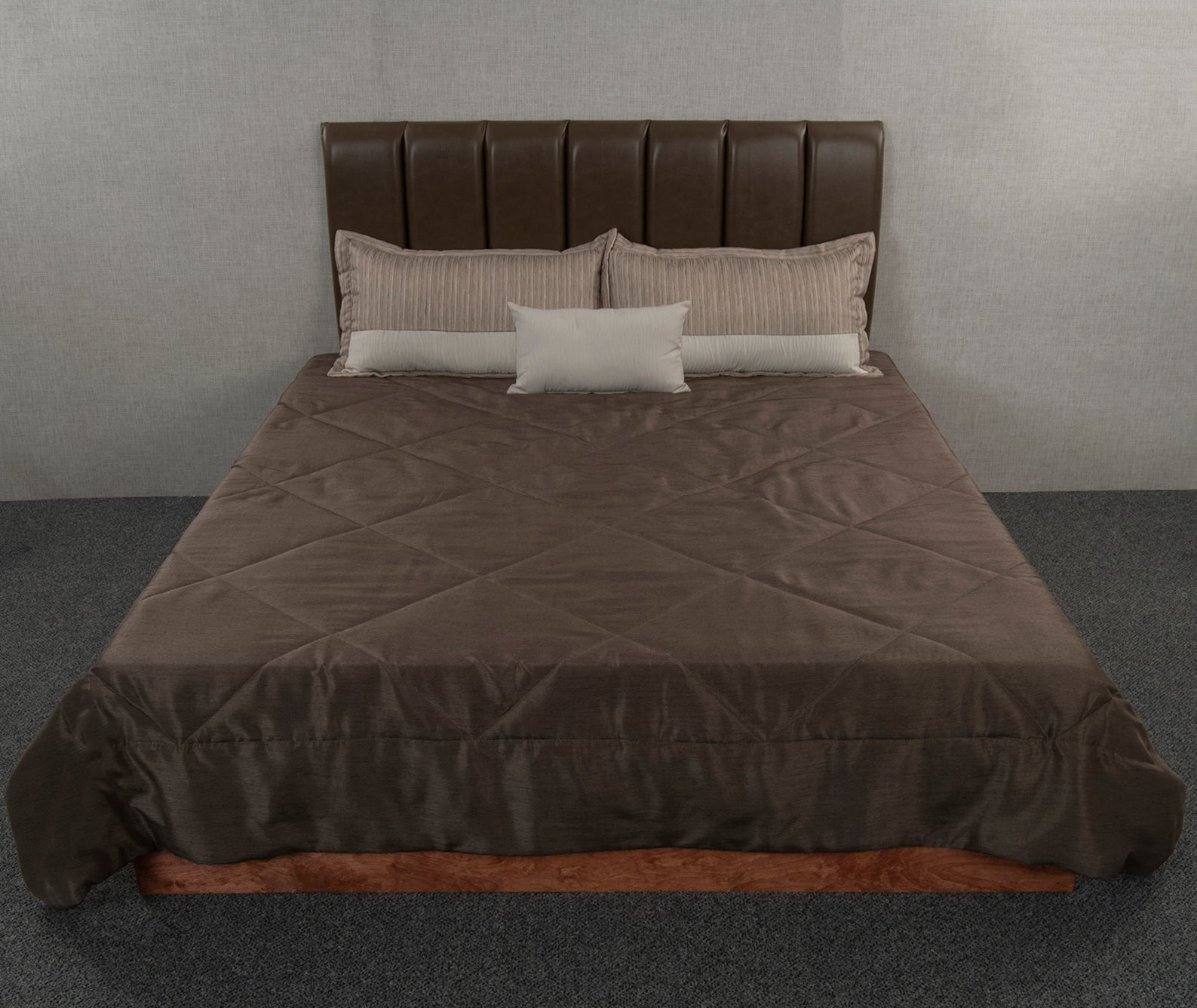 Vision Dark Brown Throw Style Bedspread