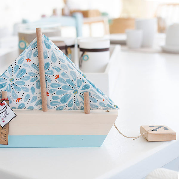 boat shaped napkin holder