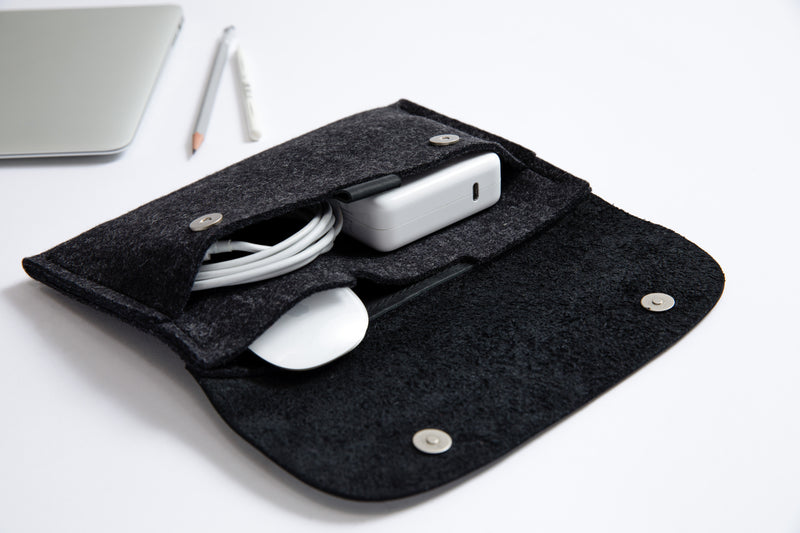 CABLE ORGANISER/ CLASSY BLACK
