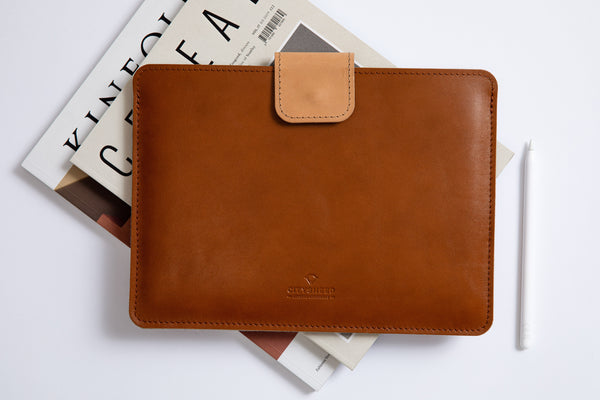 KEEP IT SNUG iPad Case/ Vegetable tanned/