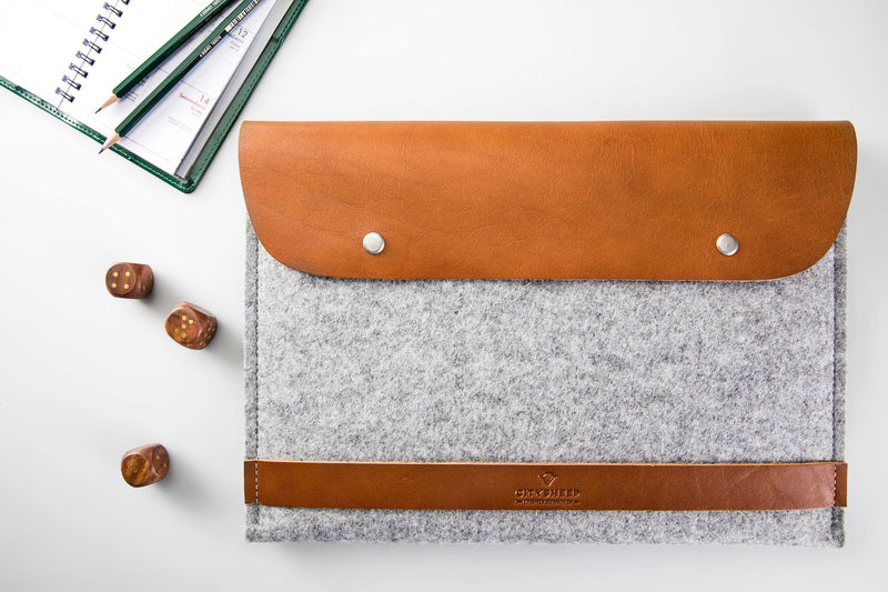 CARRY MORE MacBook Case/ Vegetable tanned/