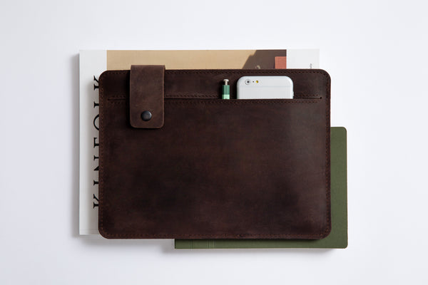 SLIM FIT iPad Case/ Oak Brown/