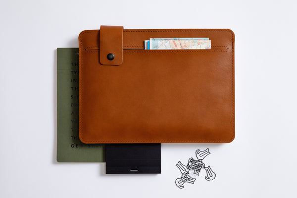 SLIM FIT iPad Case/ Vegetable Tanned/