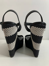 Load image into Gallery viewer, Burberry Wedge Platform / SZ 39