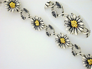 BR045  Daisy Bracelet with Nuggets