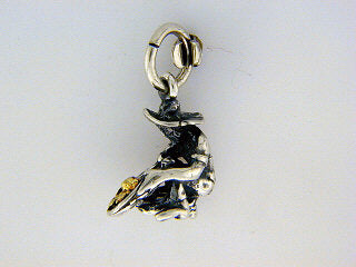 C029  Panner Small Charm with Nuggets