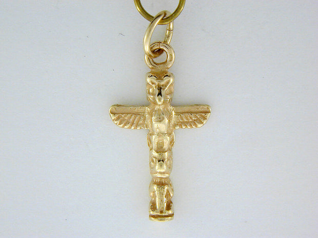 C304  Totem Small Charm 14kt