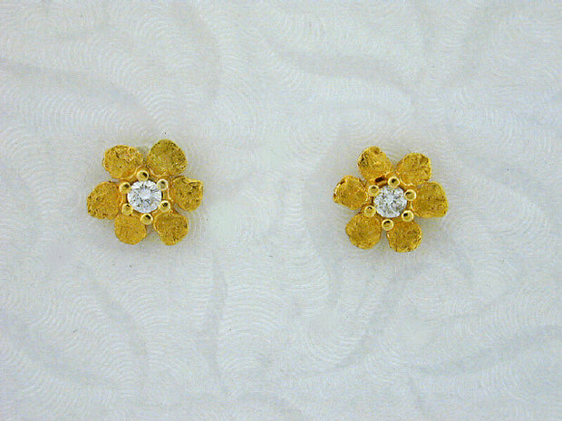 EP271  14kt Flower with Medium Earring Posts with Diamonds