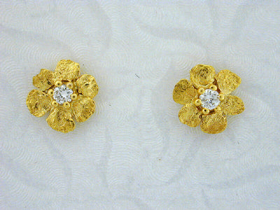 EP273  14kt Flower with Large Earring Posts with Diamonds