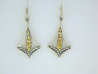 EW034  Earring Wires Arrow with Drops with/Nug