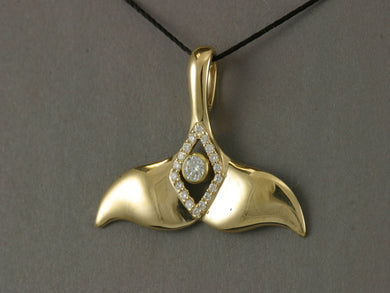 N905DD  Pendant Whale Tail 14kty & Diamond