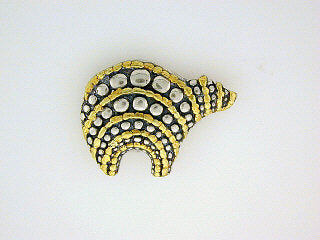 P017  Bear Small Circle Brooch