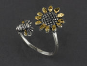 R03254    Silver Adjustable Sun Flower Bee Ring with Nuggets