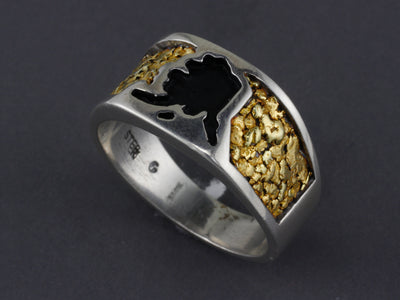 RM05AK   Mans Silver Alaska Shaped Ring with Nuggets