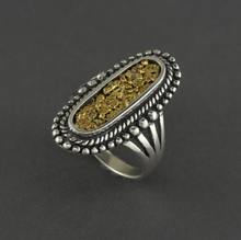 R03283  Large Oval Ring with Nuggets