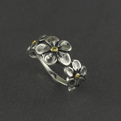 R02909  Three Flower Ring
