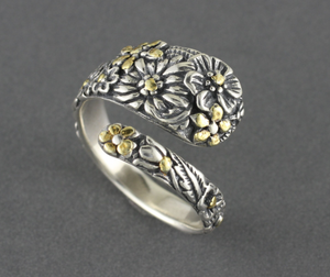 R02938  Adjustable Multi-Flower Silver Ring