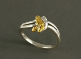 R364S  Silver 5 Leaf Ring with Nuggets