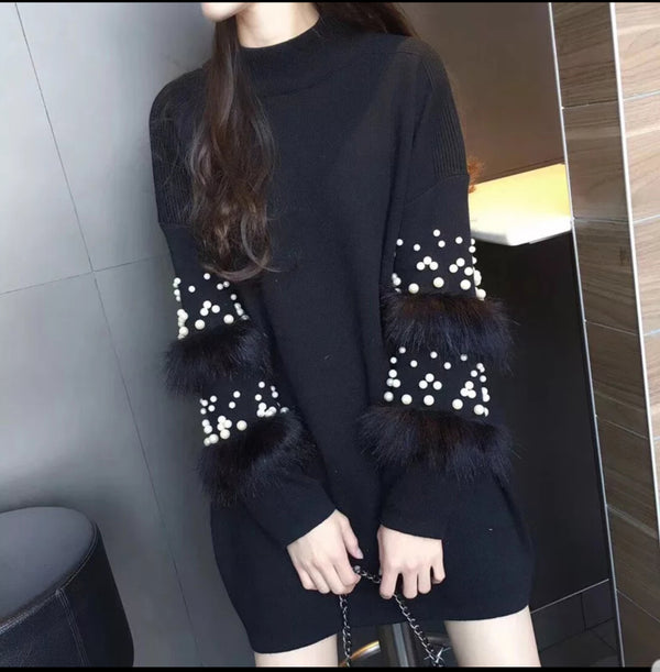 Loose Long-Sleeve Pearl Beading Pullover Dress with Faux Fur