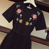 2018 Gentle Wind Summer Two Piece Suit for Women Flower Embroidery Stitching Lace Long T-shirt & Perspective Gauze Skirt Sets