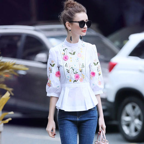 Runway Designer Blouse 2018 Spring Fashion Ploral Embroidery Tops Women Half Sleeve White Cotton Shirts Blouses High Quality