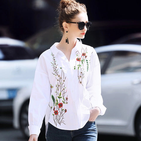 Runway Ladies Tops 2018 Womens Elegant Vintage V-neck Long Sleeve Floral Embroidery Beading  tops and blouses blusa feminina
