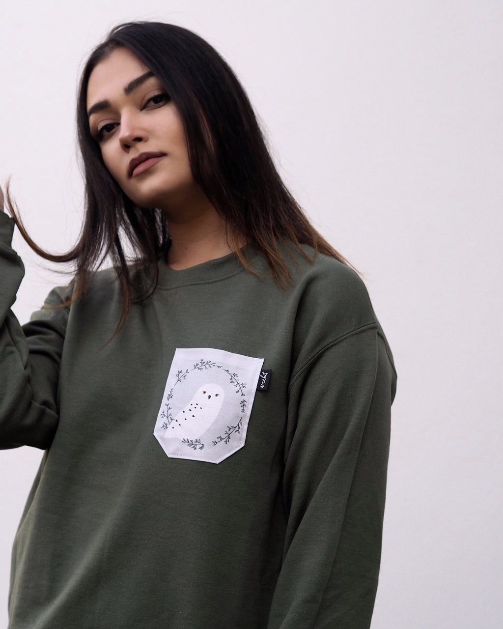 OWL POCKET | SWEATER OLIVE