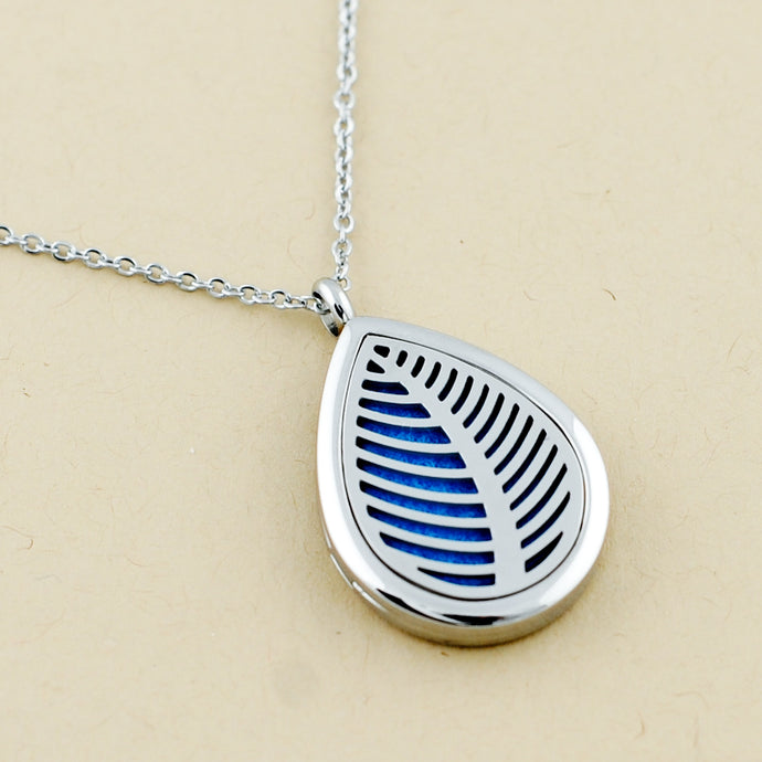 Leaf Teardrop Pendant Necklace