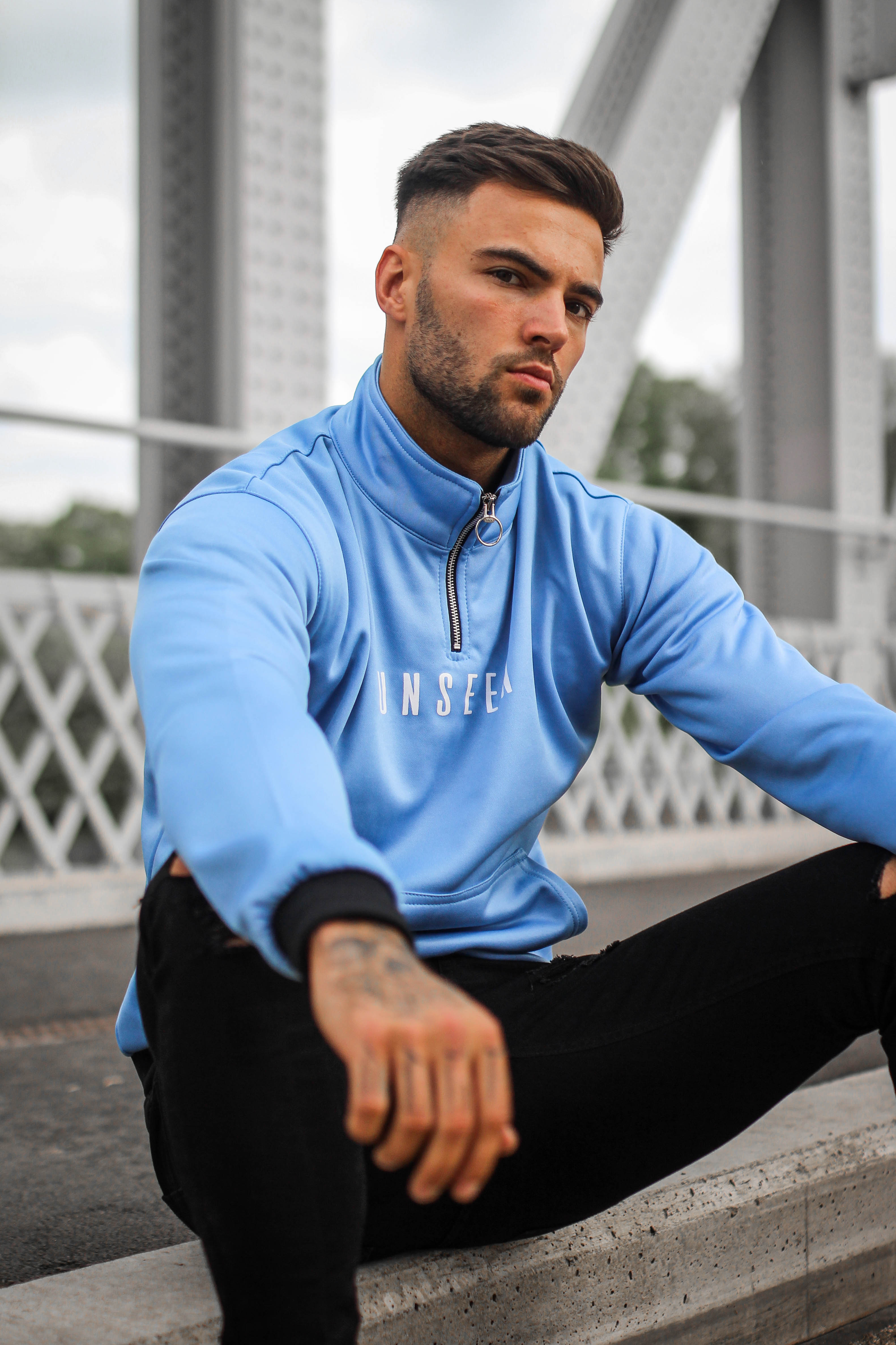 QUARTER ZIP - SKY BLUE