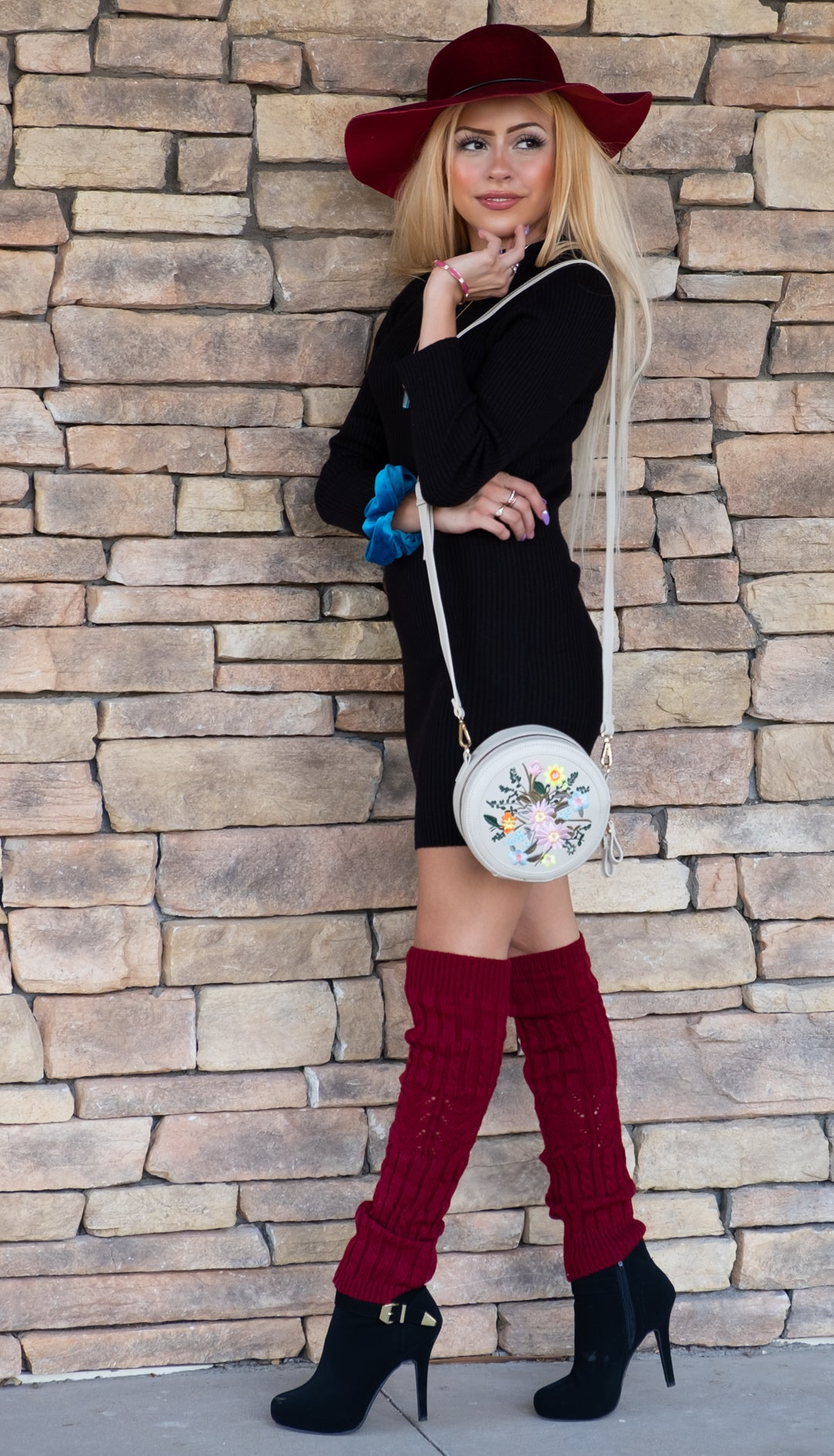 Round flower embroidered crossbody bag