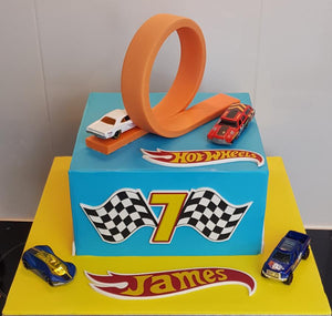 Hot Wheels loop birthday cake