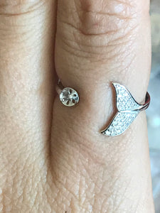 Dolphin Tail Ring White