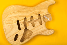 Load image into Gallery viewer, SC BODY 2pc Swamp Ash 1.7 Kg - 501590
