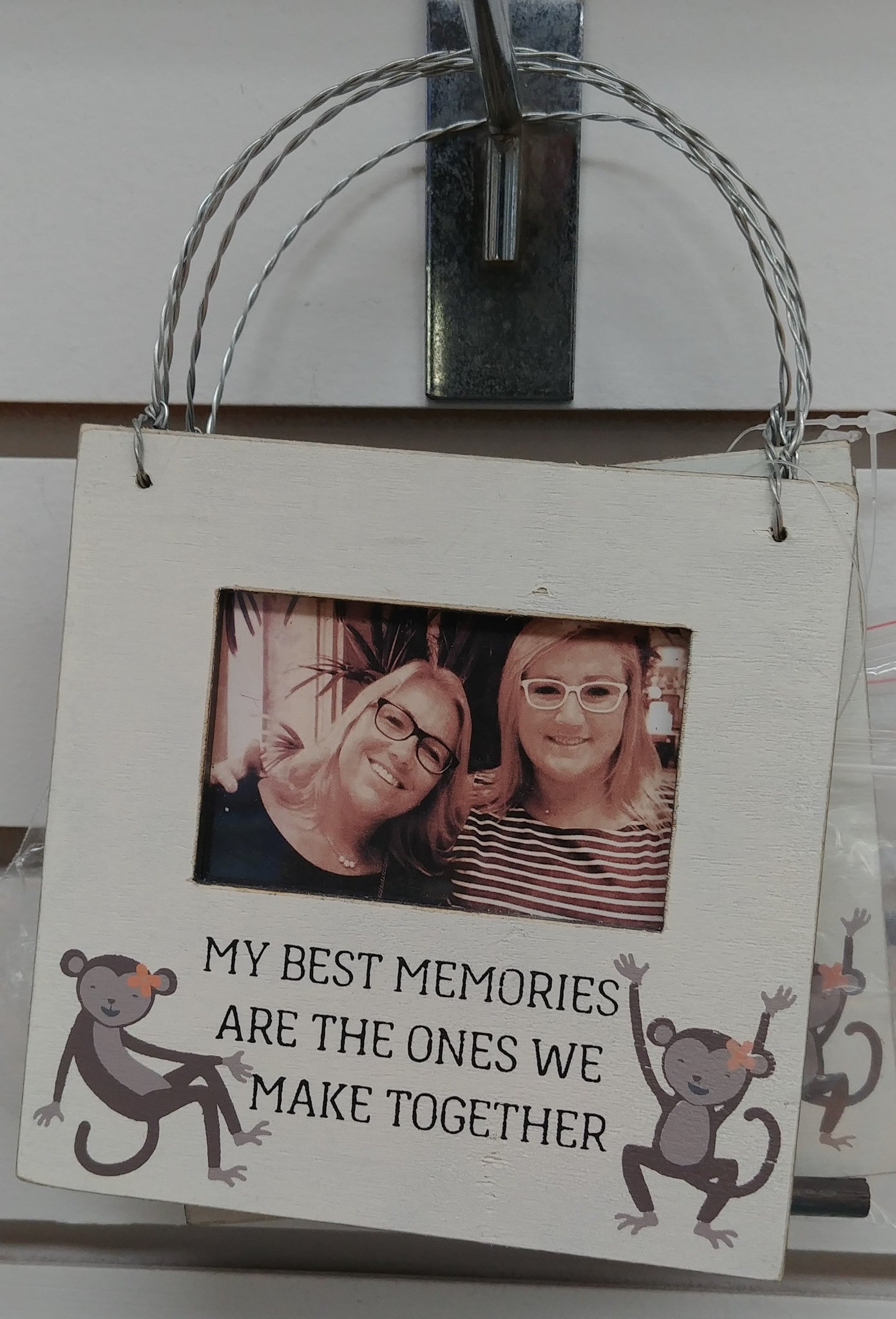 """My Best Memories"" Hanging Picture Frame"