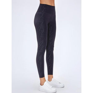 Fashion Forward 21 - Black Texture Seamless Leggings