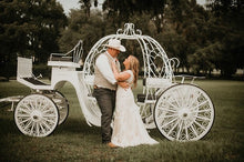 Ceremony Arrival - Horse Drawn Carriage