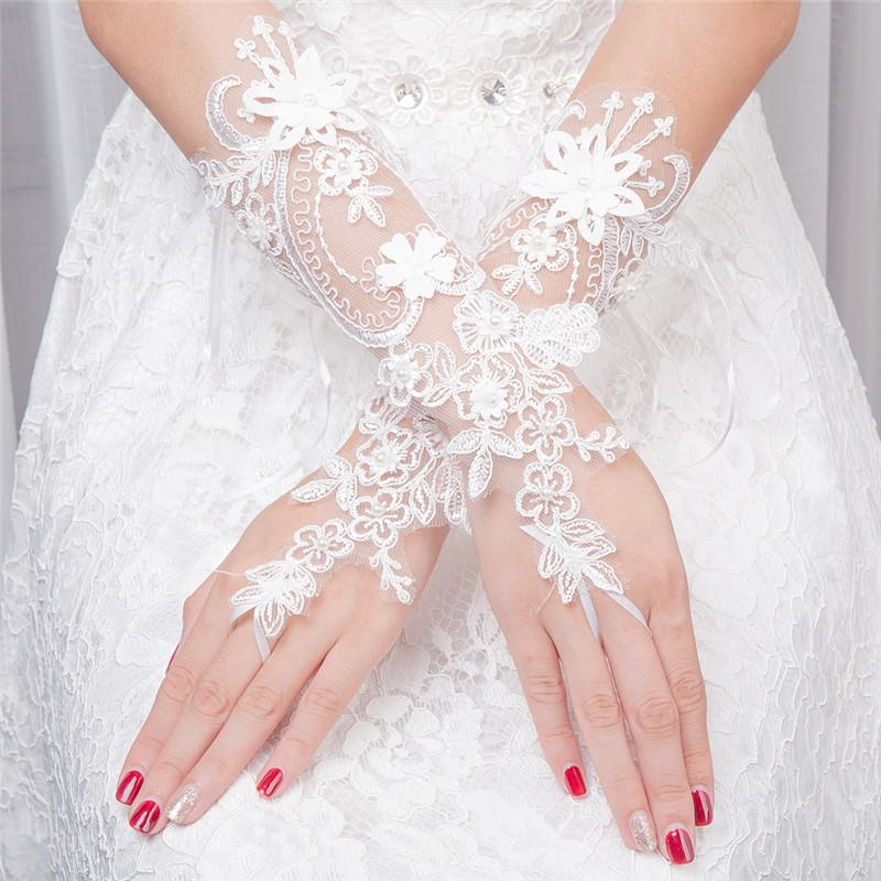 Light Ivory Beaded Wedding Gloves, Bridal Lace Gloves, Floral Lace Appliques Gloves, TYP0572