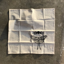 Load image into Gallery viewer, Luna Moth Napkin Set