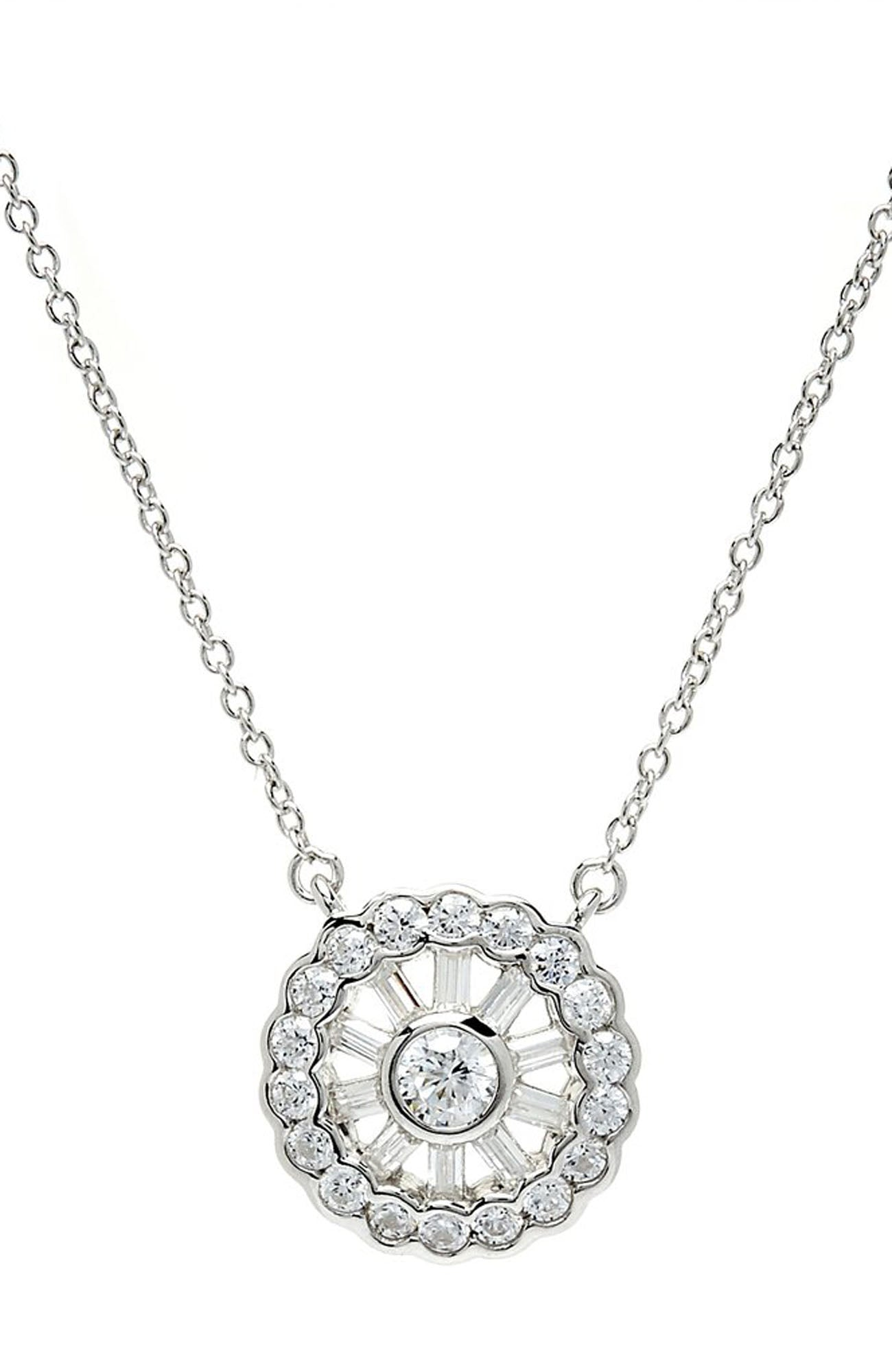 DAISY SILVER NECKLACE
